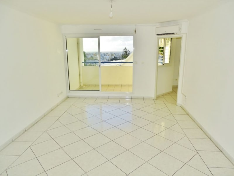 Sale apartment Saint denis 120 000€ - Picture 1