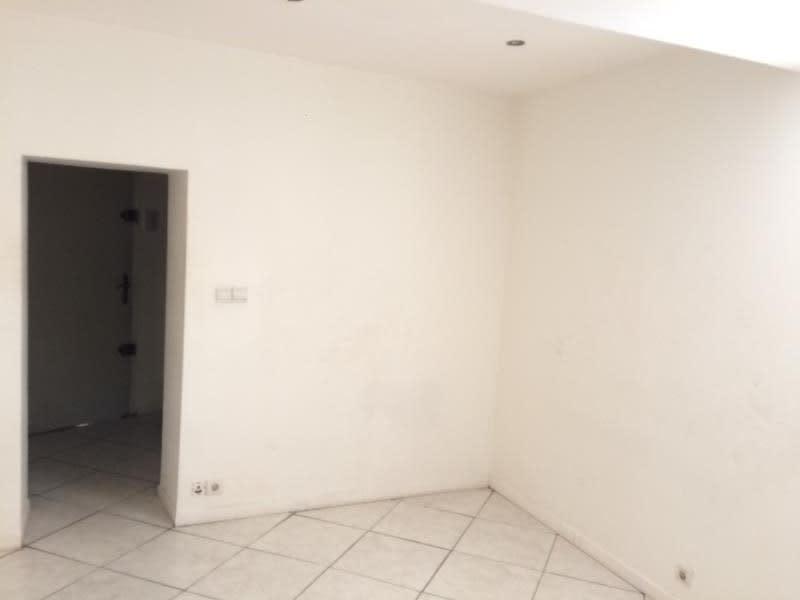 Sale apartment Brignoles 48000€ - Picture 3