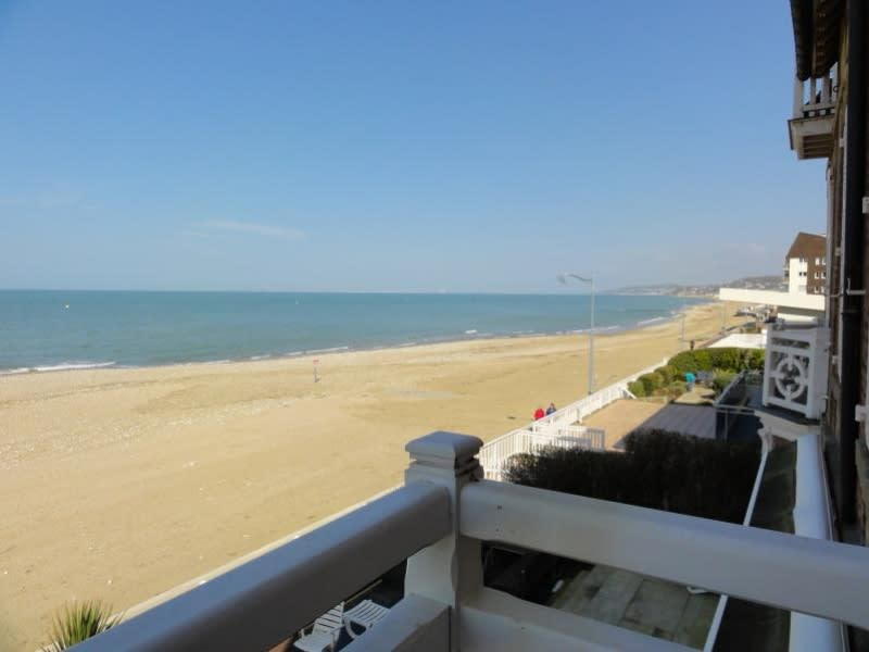 Deluxe sale apartment Villers sur mer 510 000€ - Picture 1