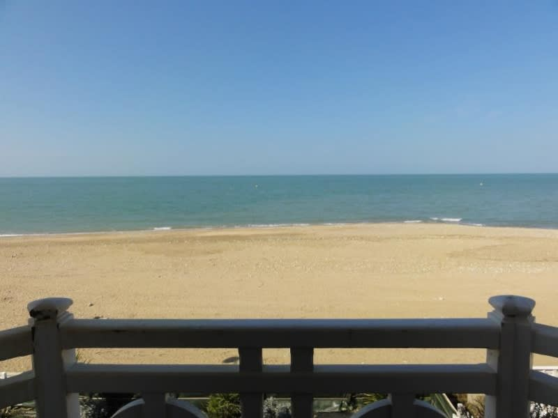 Deluxe sale apartment Villers sur mer 510 000€ - Picture 3