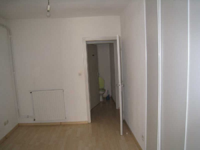 Location appartement Carcassonne 396,11€ CC - Photo 3