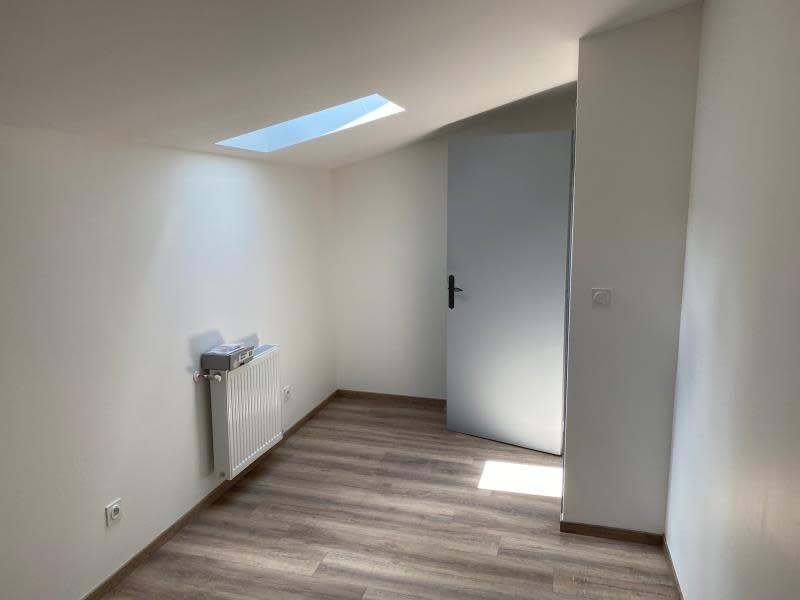 Rental apartment Renaison 500€ CC - Picture 3