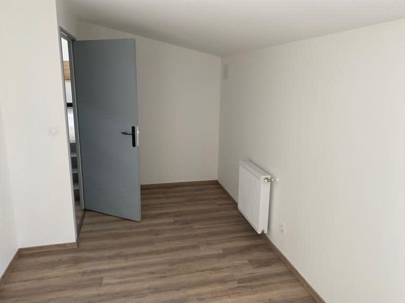 Rental apartment Renaison 500€ CC - Picture 7
