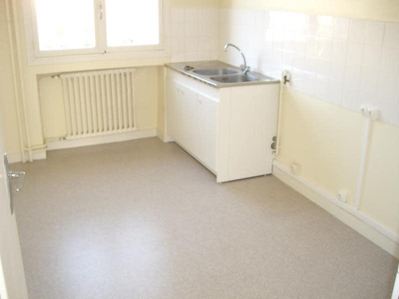 Rental apartment Roanne 680€ CC - Picture 3