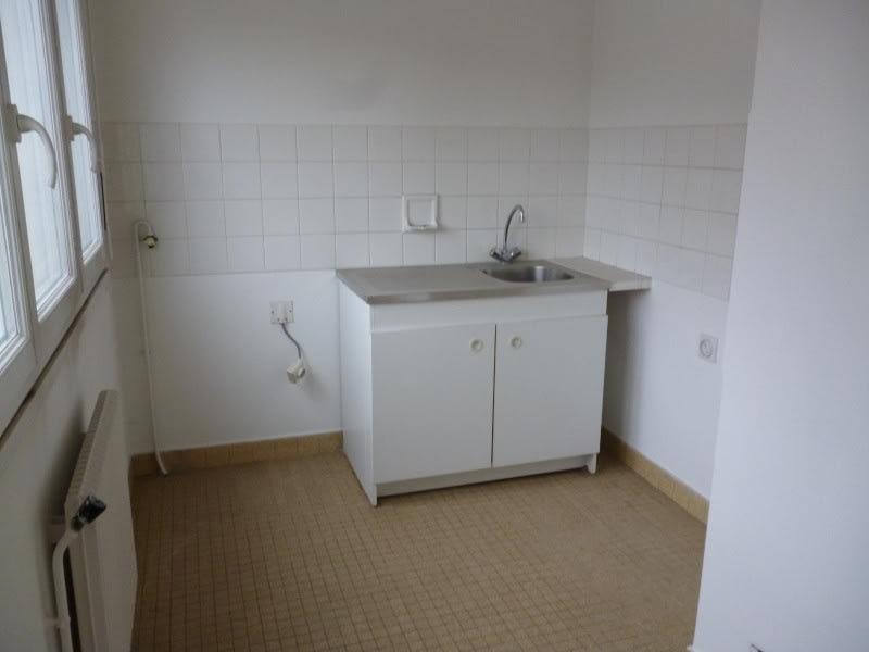 Location appartement Le coteau 320€ CC - Photo 3