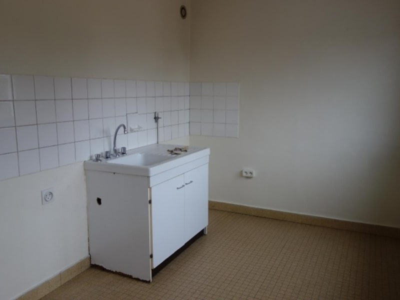 Location appartement Le coteau 320€ CC - Photo 3