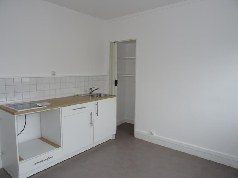 Rental apartment Le coteau 245€ CC - Picture 3