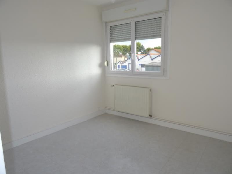 Rental apartment Le coteau 490€ CC - Picture 2