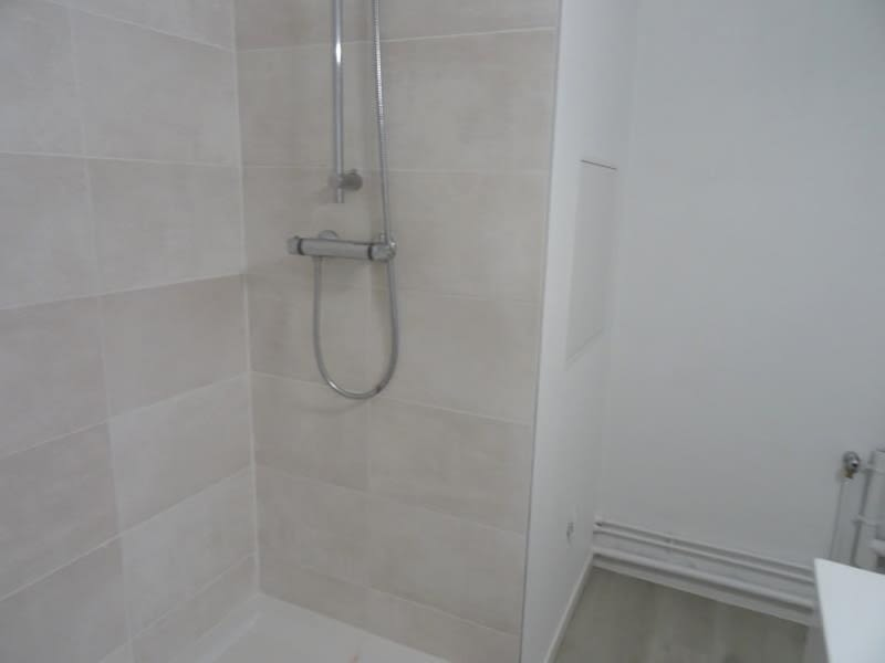 Location appartement Roanne 600€ CC - Photo 4