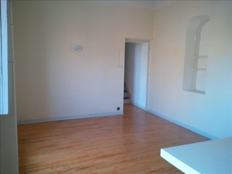 Location maison / villa Salon de provence 568€ CC - Photo 2