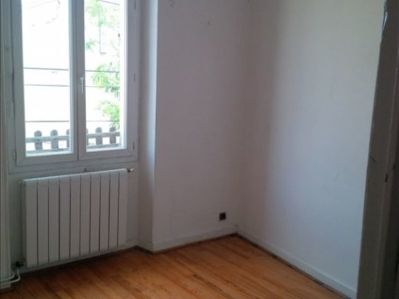 Location maison / villa Salon de provence 568€ CC - Photo 3