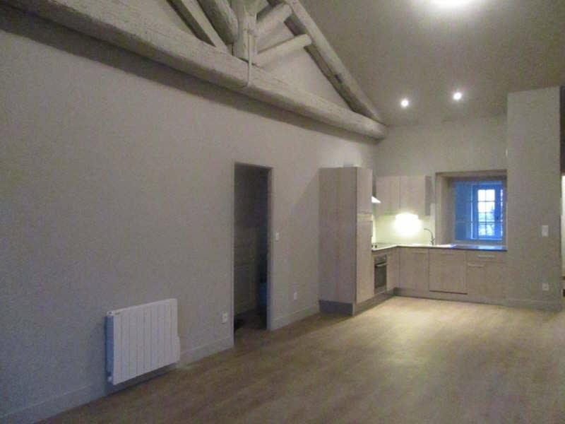 Rental apartment Nimes 930€ CC - Picture 1