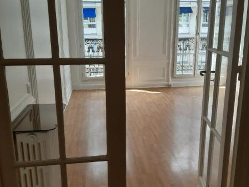Location appartement Paris 16ème 3 208€ CC - Photo 8