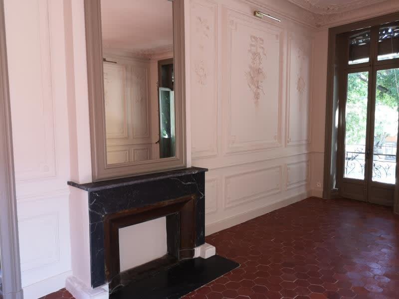 Rental apartment Nimes 695€ CC - Picture 3