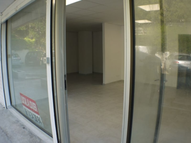 Location local commercial Marseille 8ème 1 250€ HC - Photo 2