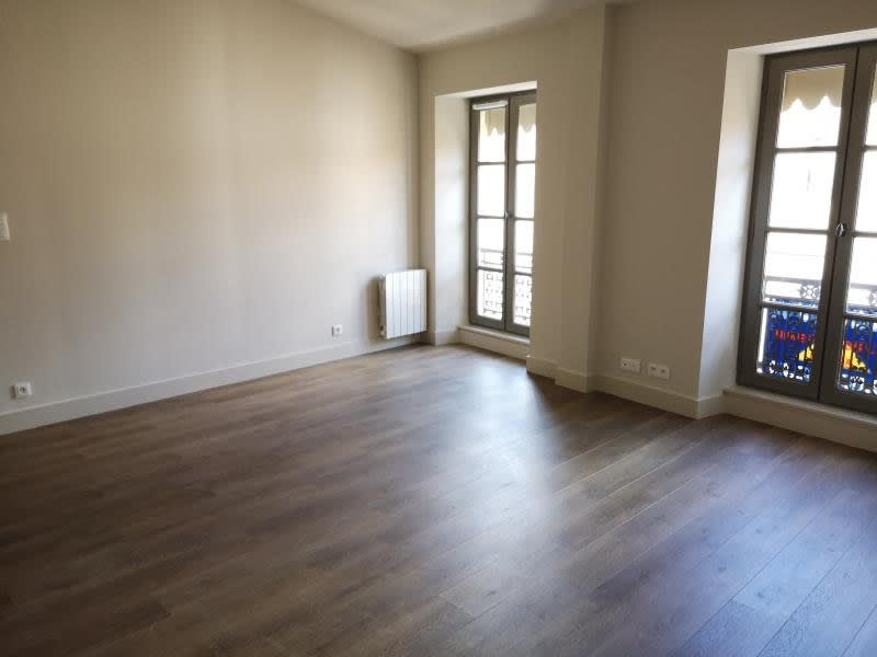Rental apartment Nimes 596€ CC - Picture 1