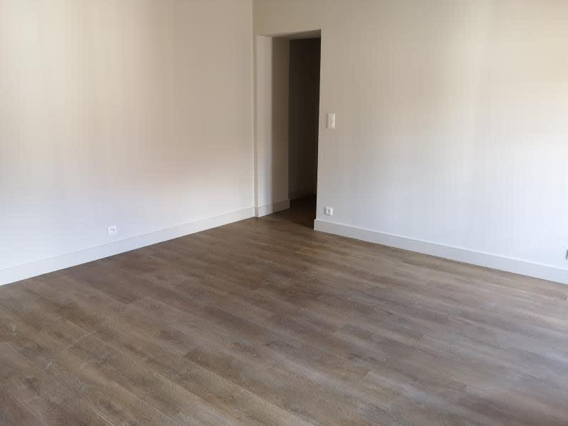 Rental apartment Nimes 596€ CC - Picture 4