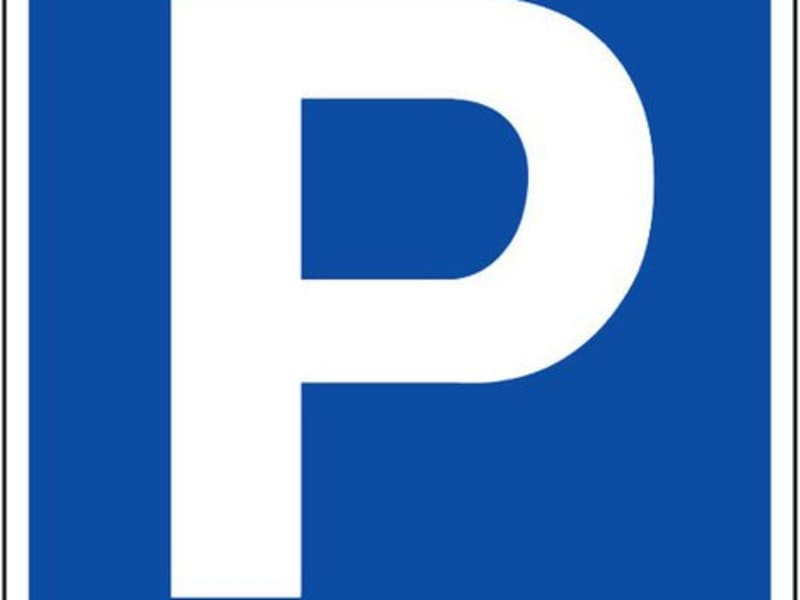 Rental parking spaces Paris 15ème 120€ CC - Picture 1