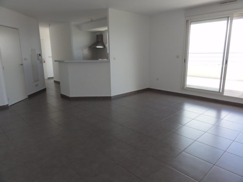 Location appartement St denis 1 310€ CC - Photo 2