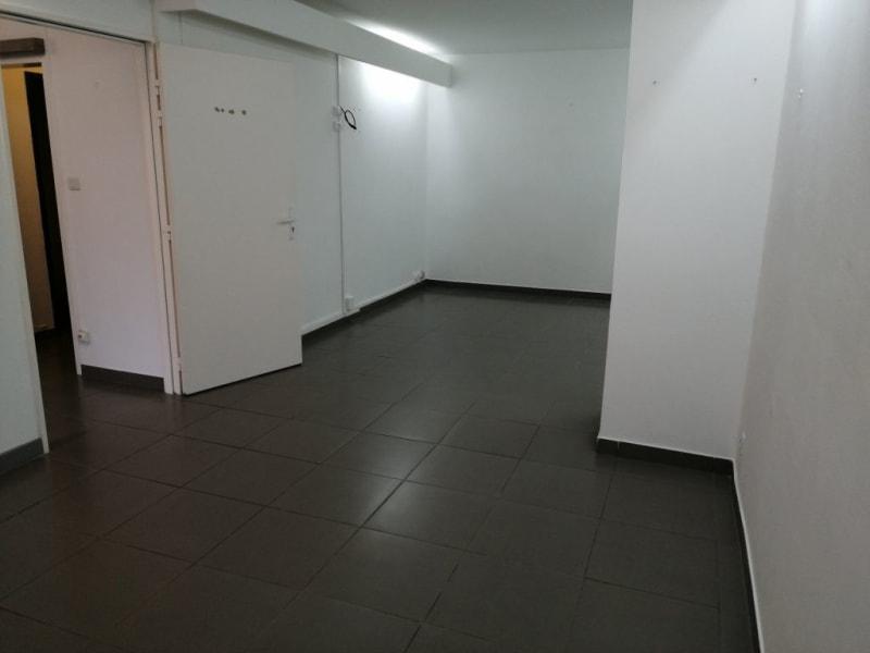 Vermietung geschäftsraum St denis 1260€ HC - Fotografie 8