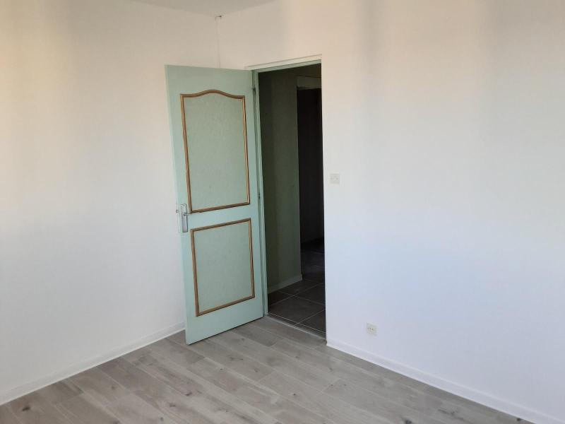Location appartement Saint priest 790€ CC - Photo 3