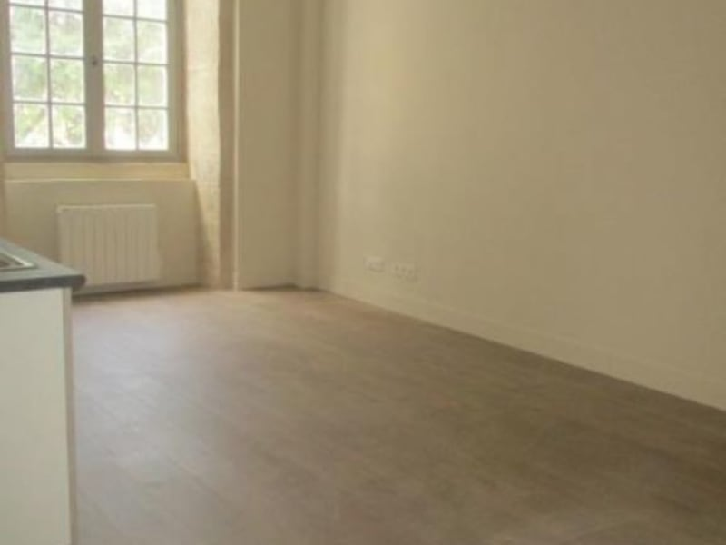 Rental apartment Nimes 643€ CC - Picture 2