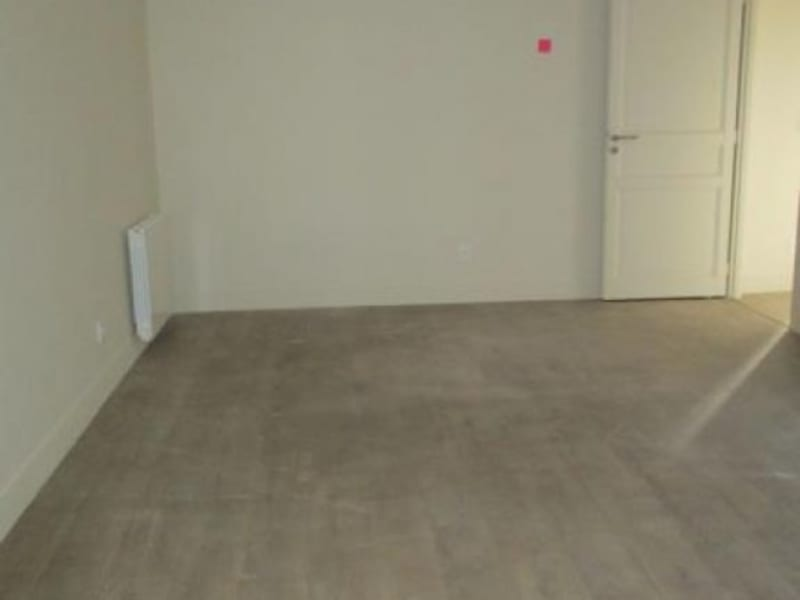 Rental apartment Nimes 643€ CC - Picture 4