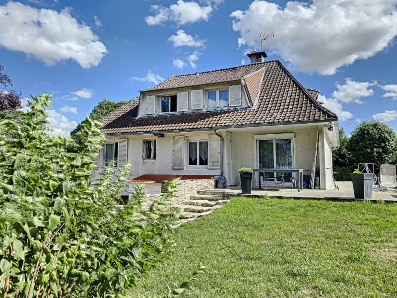 Maison avec sous sol - 5 chambres - Proche Etrépagny - 155 m²