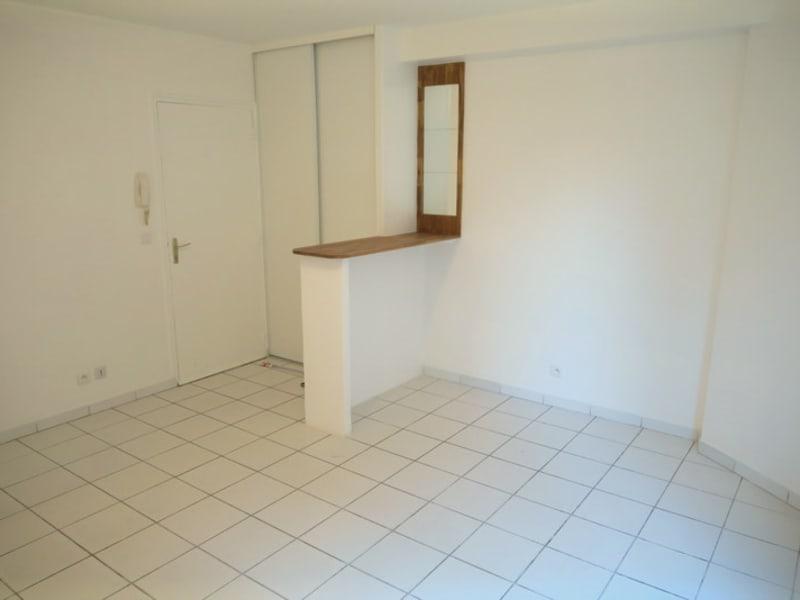 Location appartement Ballainvilliers 550€ CC - Photo 1