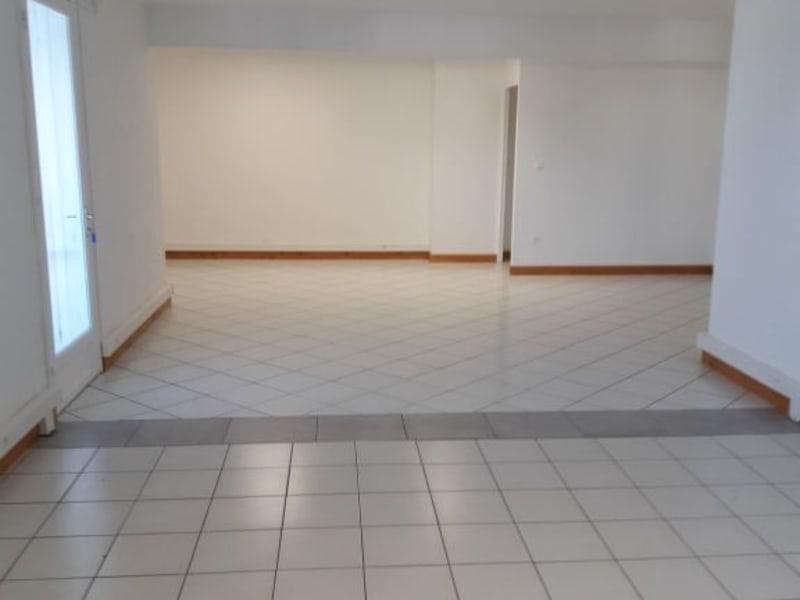 Rental office St pierre 1812€ HC - Picture 1