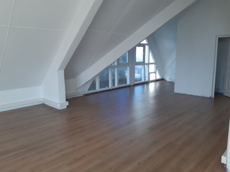 Rental office St pierre 2 365€ HC - Picture 2