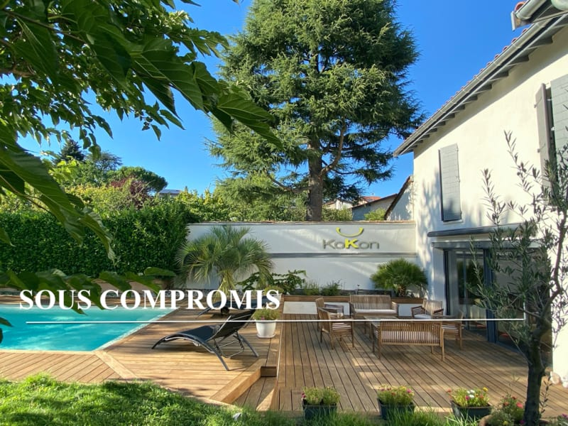 Sale house / villa Charly 950000€ - Picture 1