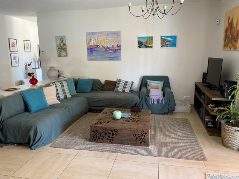 Sale house / villa Les angles 367500€ - Picture 3