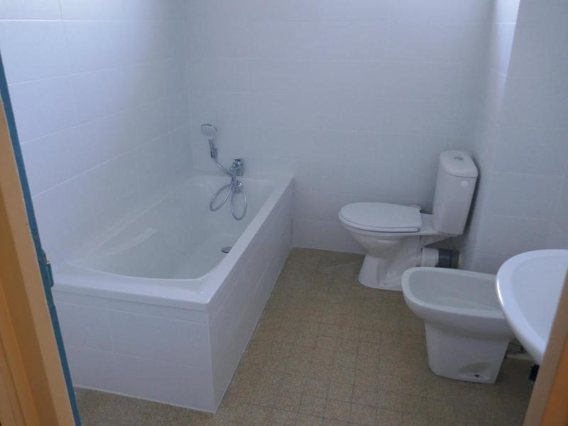 Rental apartment Montreal la cluse 344€ CC - Picture 4