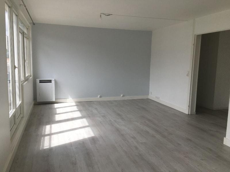 Sale apartment Deville les rouen 117800€ - Picture 2