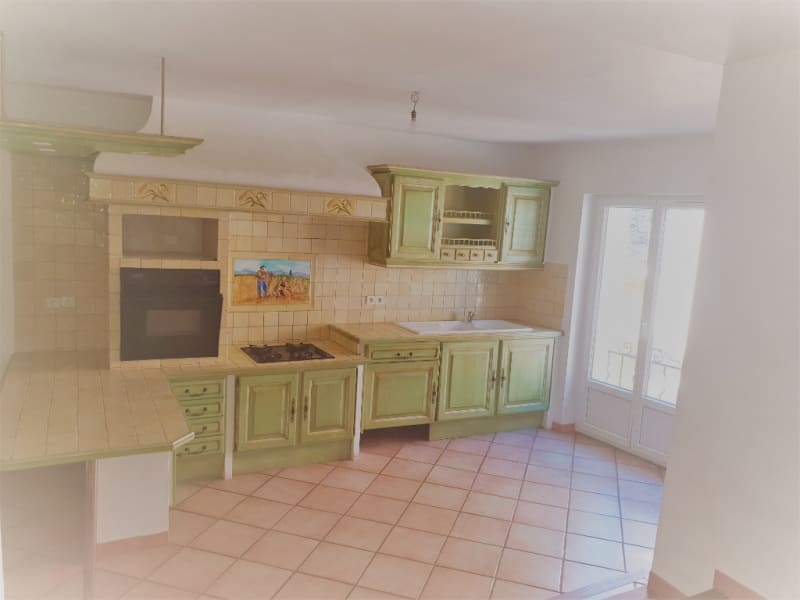 Rental house / villa Meyrargues 1062€ CC - Picture 1