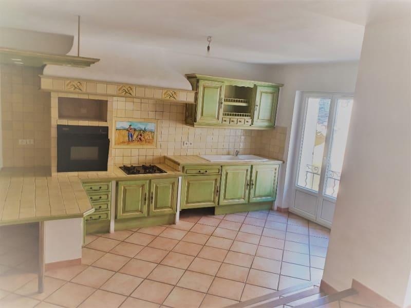 Rental house / villa Meyrargues 1062€ CC - Picture 2