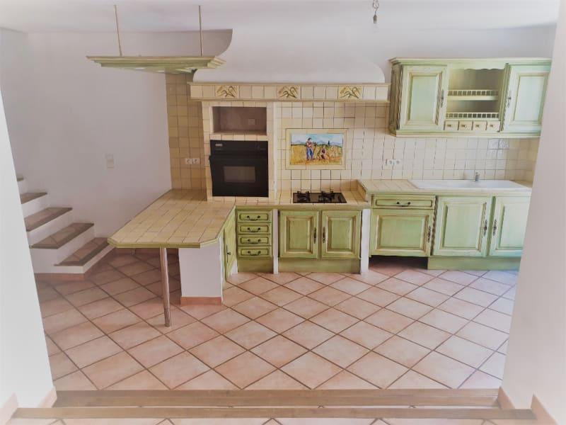 Rental house / villa Meyrargues 1062€ CC - Picture 4