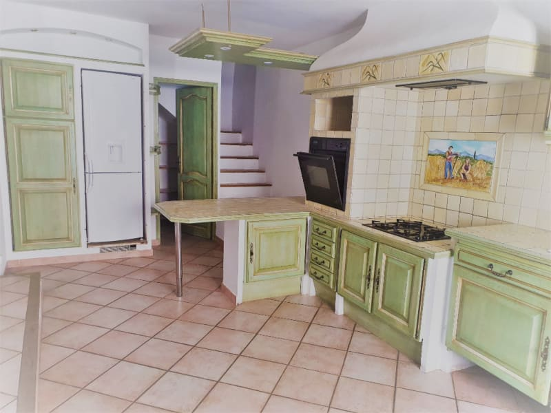 Rental house / villa Meyrargues 1062€ CC - Picture 5