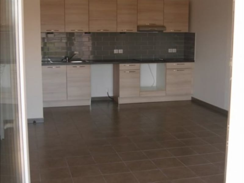 Rental apartment Thoiry 951,50€ CC - Picture 2