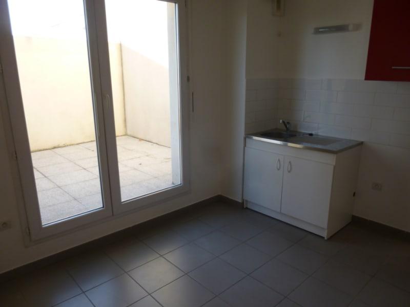 Sale apartment Nimes 212000€ - Picture 3