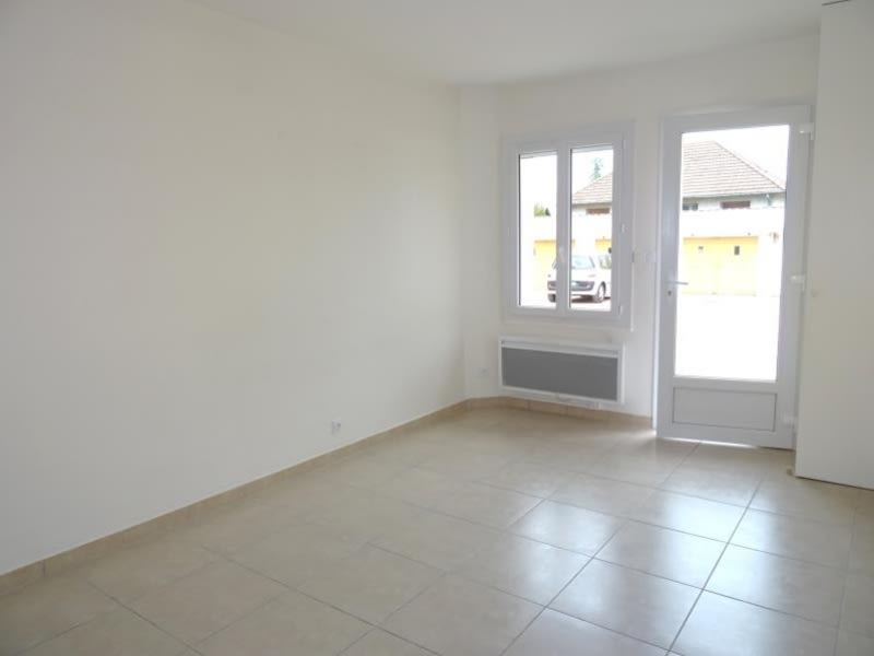 Rental apartment Riorges 345€ CC - Picture 1