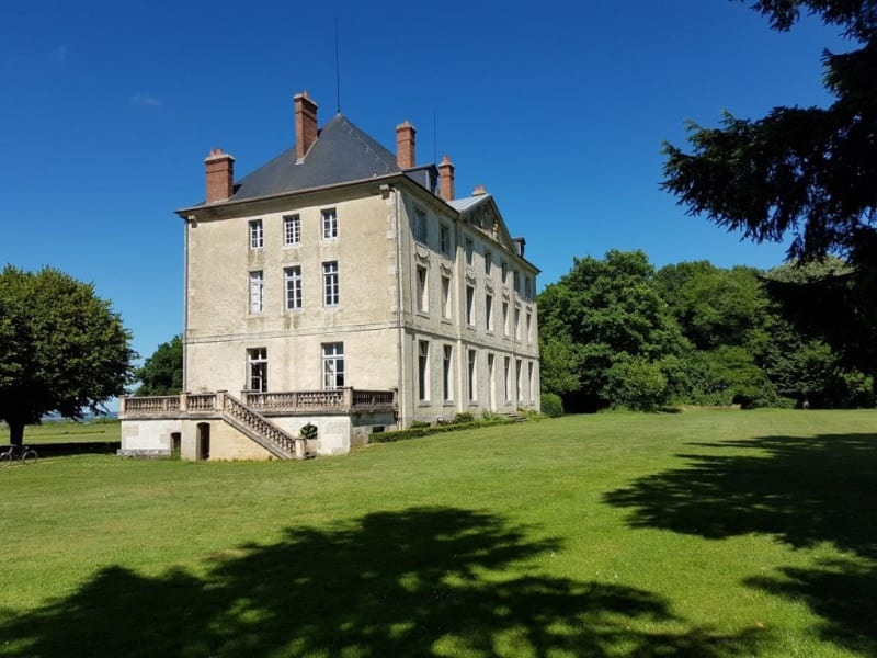 Deluxe sale chateau Montjalin 1980000€ - Picture 2