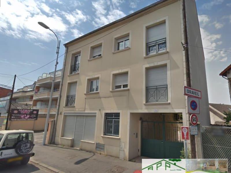 Rental apartment Draveil 830€ CC - Picture 1