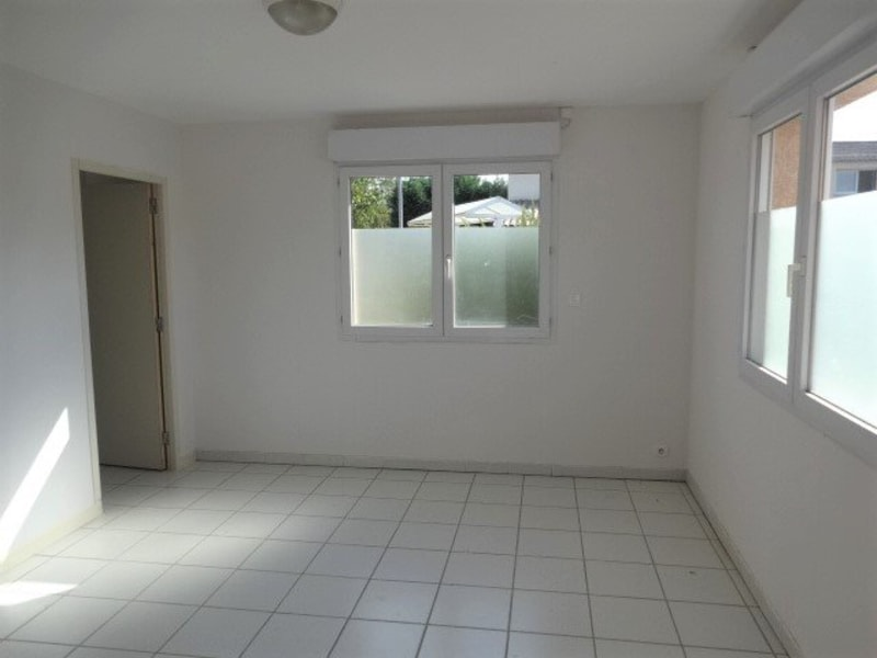 Rental empty room/storage Cornebarrieu 1 150€ CC - Picture 3