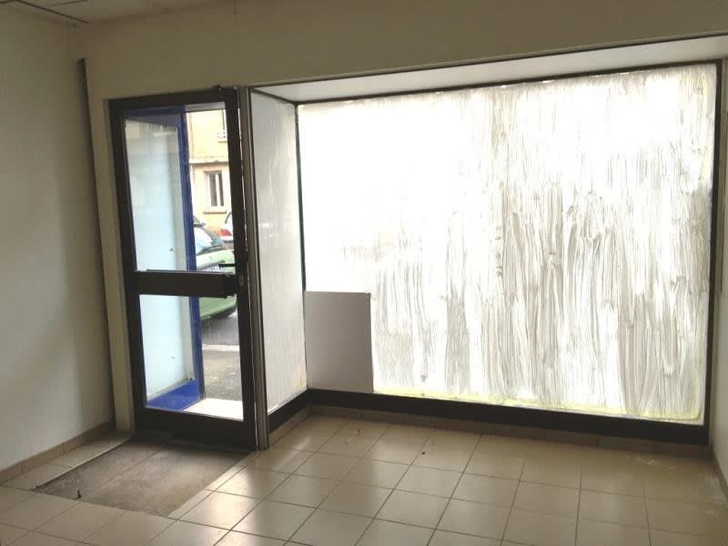 Location local commercial Fougeres 550€ HC - Photo 4