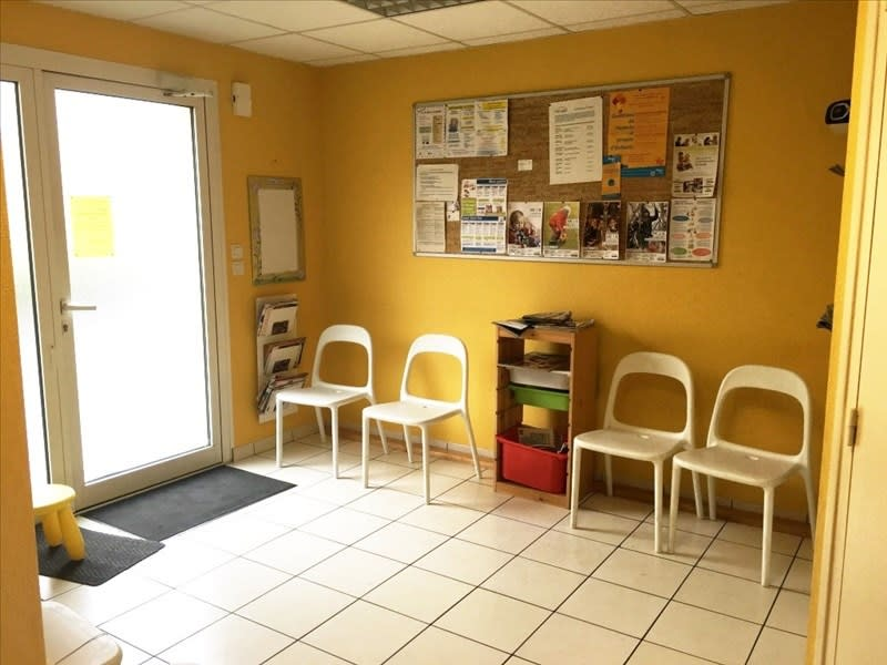 Location local commercial St brice en cogles 260€ HC - Photo 3