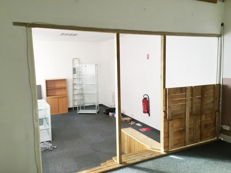 Location local commercial Fougeres 350€ HC - Photo 4