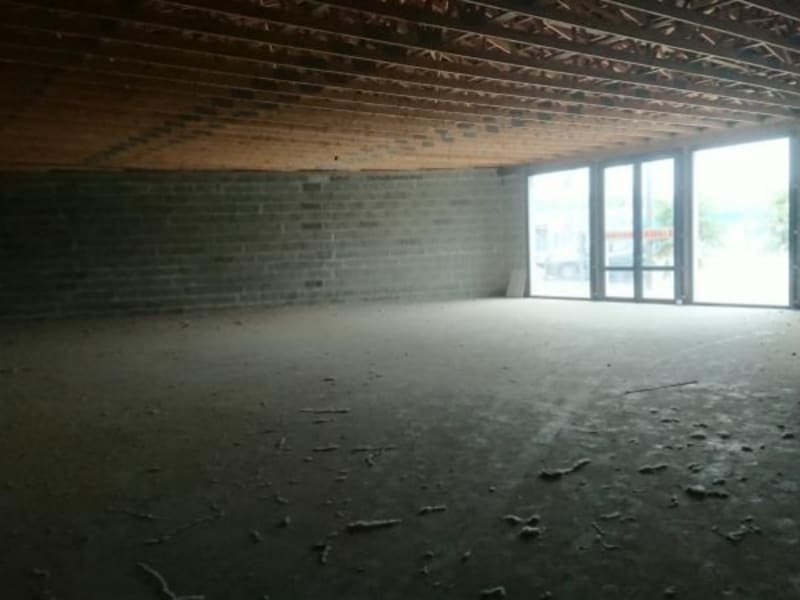 Sale empty room/storage Cavignac 262000€ - Picture 1