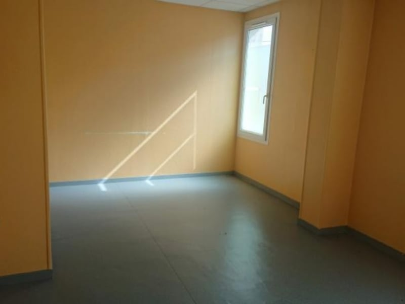 Rental empty room/storage Coutras 1 014,75€ HC - Picture 2